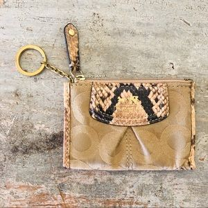 ♥️ Coach ♥️ Tan Snakeskin Keychain Coin Wallet
